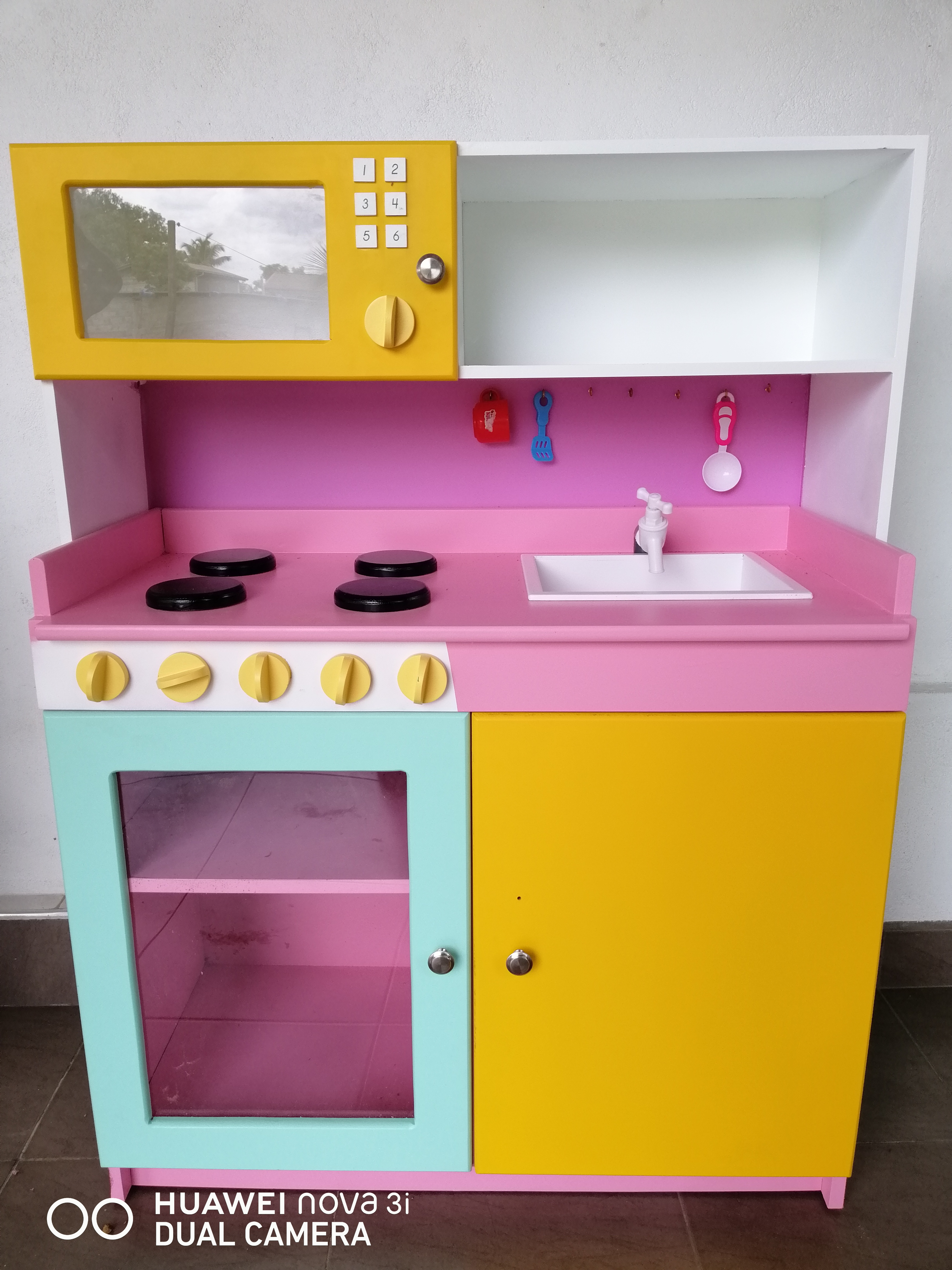 F69 kitchen Set