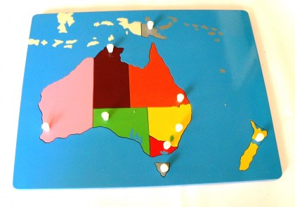 MT017  Miniature  Map  of Australia