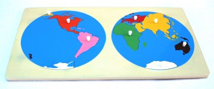 MT018 Miniature Map of World continents